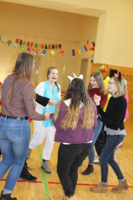 Vorschaubild zur Meldung: Saldrianer und Schüler der Havelschule feiern gemeinsam Fasching