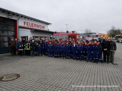 Foto zu Meldung: Jugendfeuerwehr unterstützt beim Umwelttag der Gemeinde Biebergemünd