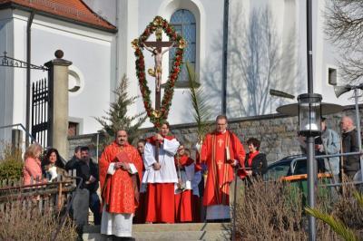 Foto zur Meldung: Palmsonntag mit Palmweihe und Prozession in der Pfarreiengemeinschaft