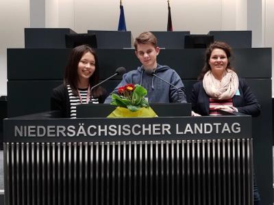 Vorschaubild zur Meldung: Teilnahme am Jugend debattiert-Landeswettbewerb