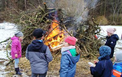 Foto zur Meldung: Weihnachtsstimmung beim Osterfeuer