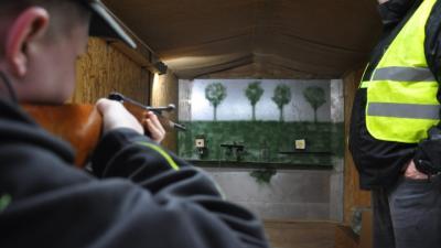 Foto zur Meldung: Groß Laasch - Einatmen, ausatmen und Schuss