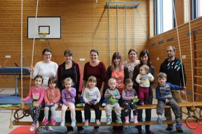 Foto zur Meldung: Da rührt sich was! - Eltern-Kind-Turnen in Moosbach