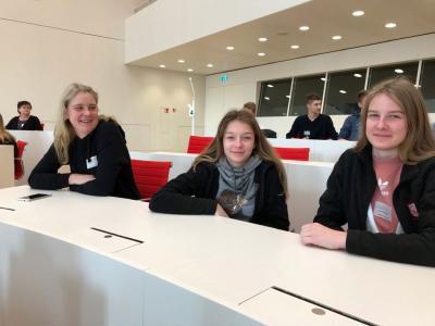 Mama Hinterthan, Paula Jahncke und Lena Hinterthan (v.l.n.r)