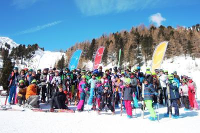 Vorschaubild zur Meldung: Zwei Wochen grenzenloses Skivergnügen der Graf Salentin Schule am Speikboden