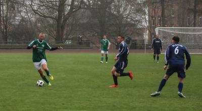Mit einem Traumtor sorgte Oliver Jäger ( grünes Trikot,  am Ball ) für den 2:0 Zwischenstand gegen GielowMit einem Traumtor sorgte Oliver Jäger ( grünes Trikot,  am Ball ) für den 2:0 Zwischenstand gegen Gielow