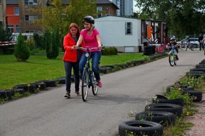 Foto zu Meldung: 7. Fahrradkurs für Migrantinnen