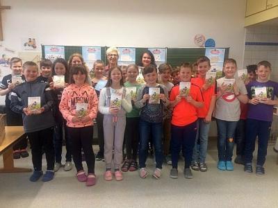 Foto zur Meldung: Buchgeschenk zum Welttag des Buches