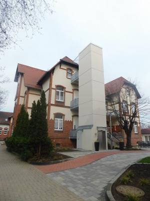 Vorschaubild zur Meldung: Neuer Fahrstuhl in Schloß Hoym Stiftung