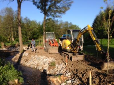 Böschungsarbeiten am Sandtalbach