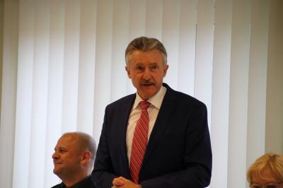 Foto zur Meldung: Innenminister Karl-Heinz Schröter besucht den Landkreis