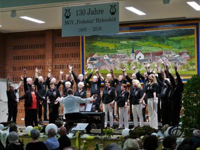 Foto zur Meldung: Gemeinsamer Chor zu Gast beim Frohsinn in Birkenfeld