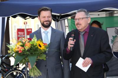 Vorschaubild zur Meldung: Amtseinführung des neuen Bürgermeisters auf dem Marktplatz