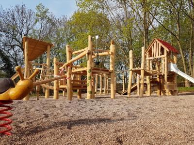 Foto zur Meldung: Spielplatz offiziell eingeweiht