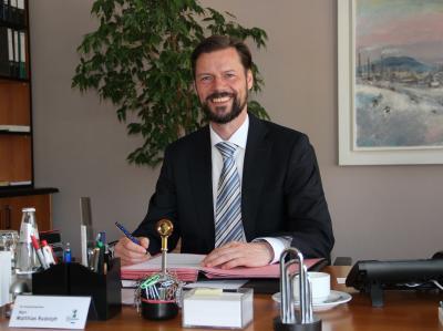 Vorschaubild zur Meldung: Nah dran und mittendrin: Bürgermeister Matthias Rudolph bietet immer dienstags Bürgersprechstunde an
