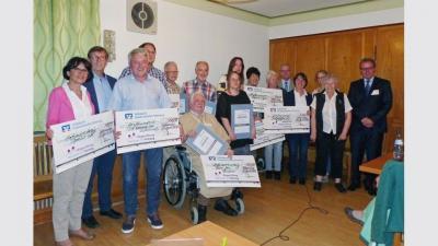 Die Preisträger spenden ihre Prämien unter anderem an die Urmel-Kinderkrebshilfe, den TSV Tettnang, das Elektronikmuseum, das Repair-Café und an den Diakoniefonds der Martin-Luther-Gemeinde. (Foto: bürgerstiftung)