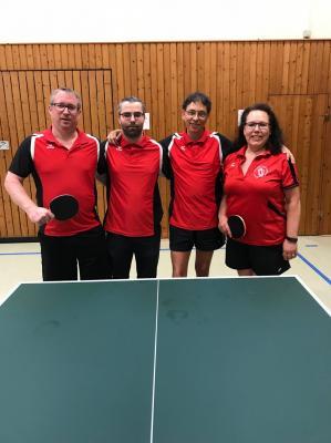 Foto zur Meldung: 1. Herren des MTV Bad Gandersheim beendet Tischtennissaison als Tabellenführer und steigt auf