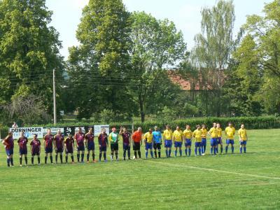 Foto zur Meldung: Männer mit Derby-Sieg, B-Junioren holen auswärts 3 Punkte