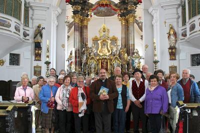 Foto zur Meldung: Die Senioren in der Wallfahrtskirche Neukirchen beim Hl. Blut