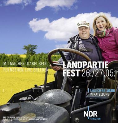 Foto zu Meldung: Auf zur Landpartie des NDR in Ratzeburg - unser Bühnenauftritt!