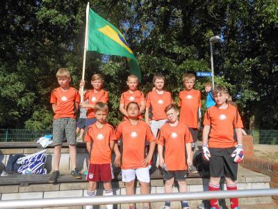 Foto zur Meldung: Bad Wilsnacker Elbtalgrundschüler holten den Pokal beim Fußballturnier in Havelberg