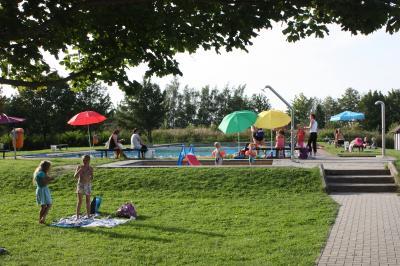 Vorschaubild zur Meldung: Eröffnung der Badesaison im Schwimmbad Klockow