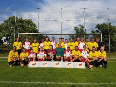 Foto zur Meldung: ESV Lok Falkenberg Alte Herren  vs.  uemet - Auswahl 1 : 1