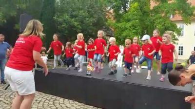 Foto zur Meldung: MTV-Turnzwerge begeistern beim Theaterfest
