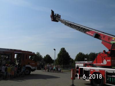 Foto zur Meldung: Am Kindertag bei der Freiwilligen Feuerwehr Crivitz
