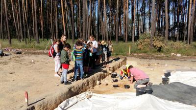 Foto zu Meldung: Besuch von Ausgrabungen
