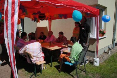 Vorschaubild zur Meldung: Gartenfest der AWO Heilopädagogischen Wohnstätte in Perleberg