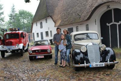 Foto zur Meldung: Oldtimer beim Mühlenfest