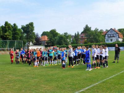 Vorschaubild zur Meldung: Mädchenpower auf dem Jahnsportplatz!