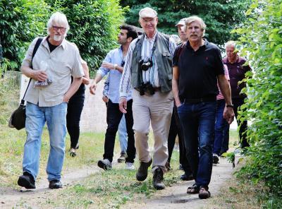 Foto zur Meldung: Ist es ein Berg- oder ein Spitzahorn? – Naturwanderung mit Dierk Hamann und Holsteinseen