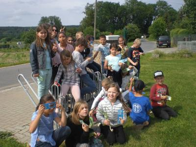 Vorschaubild zur Meldung: Offene Ganztagsschule Sennfeld erkundet den Gemüselehrpfad