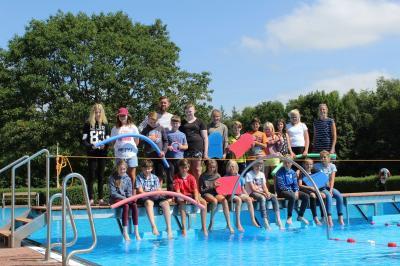 Foto zur Meldung: Unterricht im Schafflunder Schwimmbad