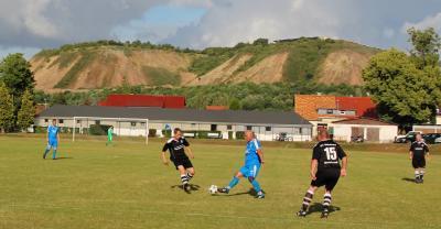 Foto zur Meldung: Fußball Spiel der Alten Herren