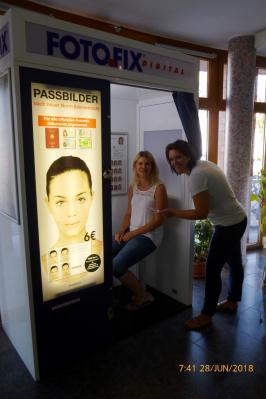 Foto zu Meldung: Neues Angebot: FOTO.FIX Automat im Amtsgebäude aufgestellt