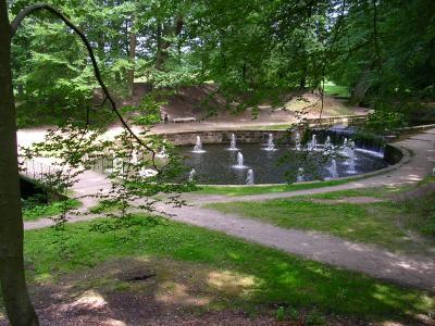 """Die """"24 Wassersprünge"""" sind der Glanzpunkt der Wasserspiele im Ludwigsluster Kanal"""