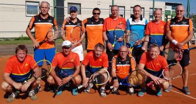 Foto zur Meldung: Tennis Herren 50 / Knapper 5:4 Sieg gegen Öschingen