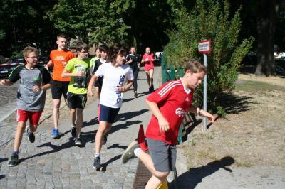 Der Spendenlauf des Goethe-Gymnasiums kommt sowohl der Kinderhilfe Vietnam als auch den Schülern zugute. (Foto: privat)
