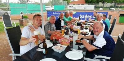 Foto zur Meldung: Tennis Herren 50 / Klassenerhalt mit hohem Auswärtssieg gesichert