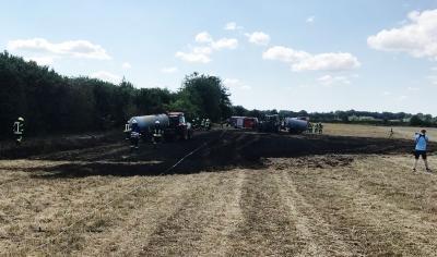 Foto zur Meldung: Und wieder brennt ein Feld – diesmal eilt die Feuerwehr nach Damsdorf