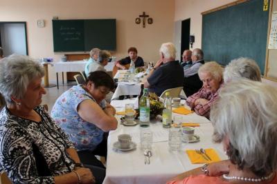 Foto zur Meldung: Sommerfest bei den Senioren