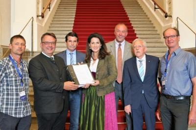 Petitionsübergabe an LWM M. Kaniber im Bayer. Landtag