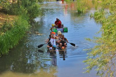 Foto zu Meldung: 9. Bennunger Badewannenrennen auf der Helme