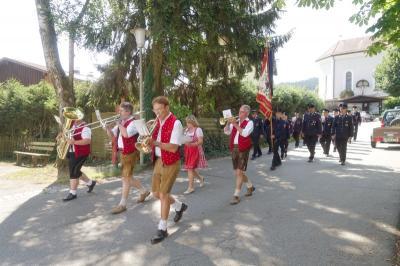 Vorschaubild zur Meldung: Freiwillige Feuerwehr Prackenbach gedachte ihrer verstorbenen Mitglieder