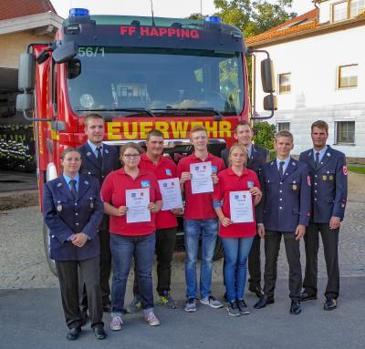 Foto zur Meldung: Feuerwehrgrundausbildung abgeschlossen