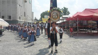 Foto zur Meldung: Volksfestzug Ortenburg