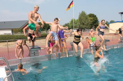 Foto zu Meldung: Frage nach warmem Wasser ist in diesem Sommer tabu
